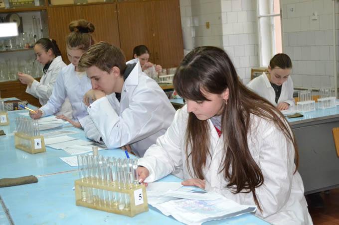 Під час обласної олімпіади з хімії