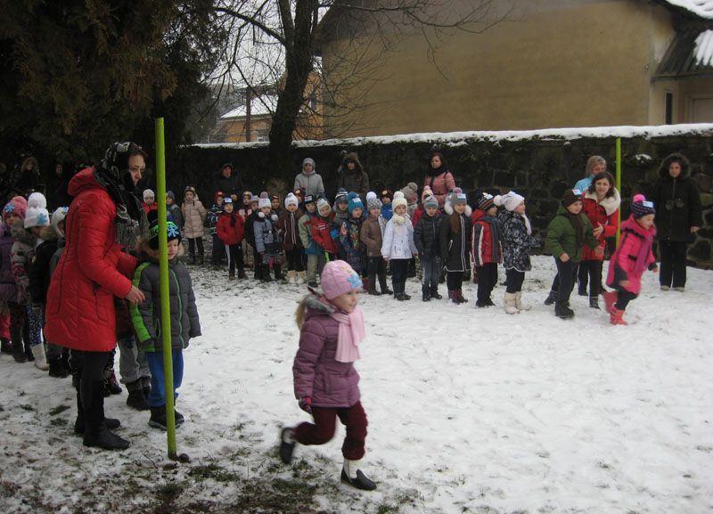Зимові ігри дошкільнят у Мукачеві