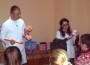 Стоматологи УжНУ показують дітям, як правильно чистити зуби