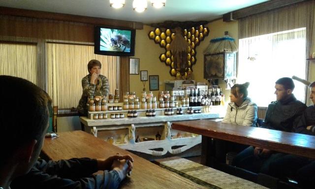 Екскурсія до музею меду в Мукачеві