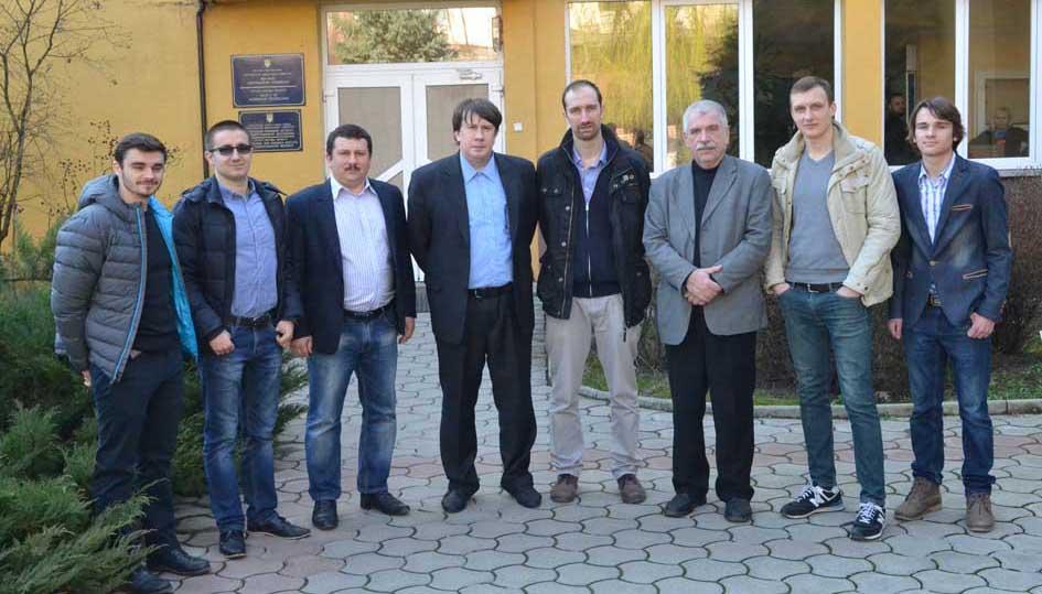 Керівництво факультету інформаційних технологій УжНУ разом з представниками фірми Lufthanza