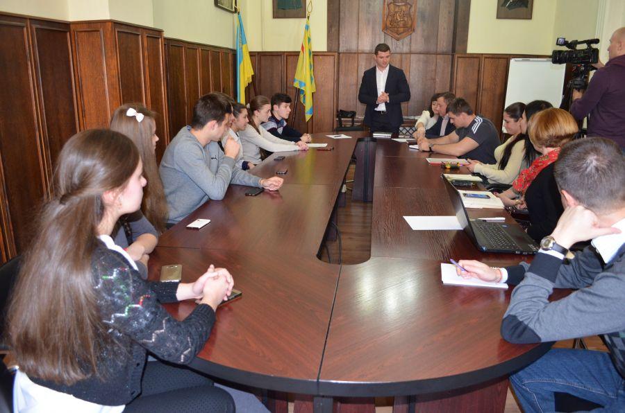 Зустріч мукачівських учнів із мером міста