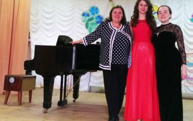 Студентка Ужгородського музучилища перемогла на конкурсі вокалістів у Києві
