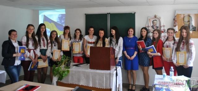 Учасники конференції у Природничо-гуманітарному коледжі УжНУ