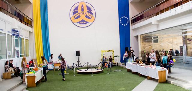 Благодійний ярмарок на філологічному факультеті УжНУ