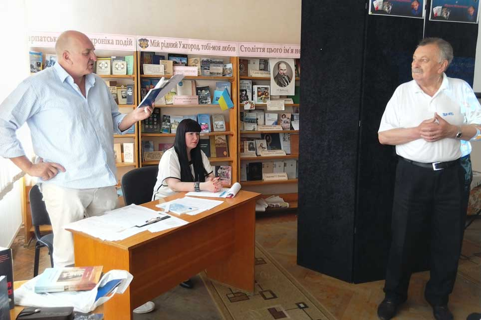 Юрій Маслієв читає свої твори