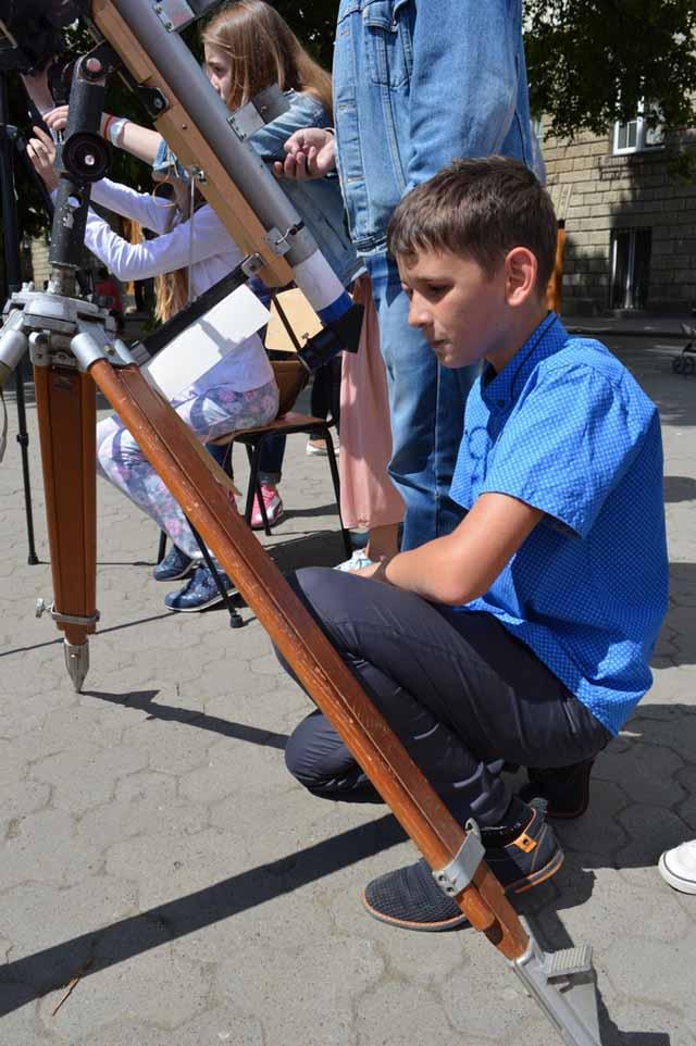 З телескопом - Ужгородська лінгвістична гімназія ім. Т. Г. Шевченка