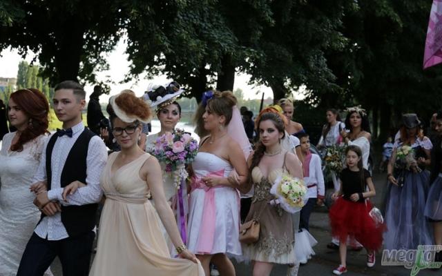 Парад наречених в Ужгороді