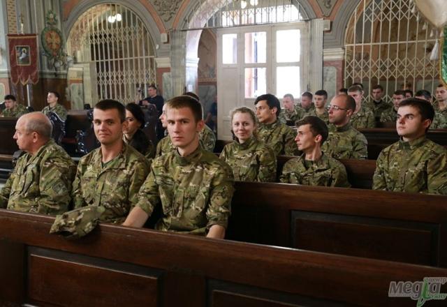 Заняття для військових у Кафедральному соборі