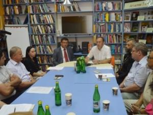 Круглий стіл у Закарпатській обласній бібліотеці