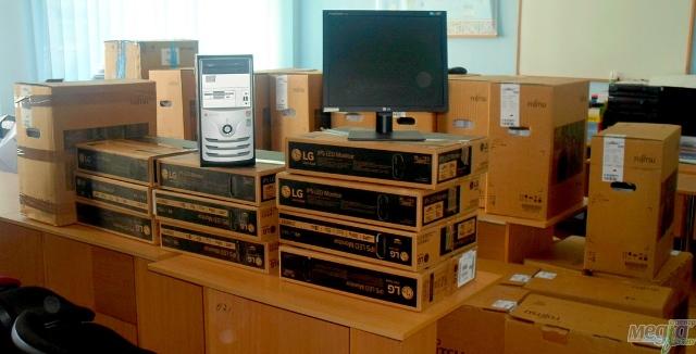 Комп'ютери від польських спонсорів в УжНУ