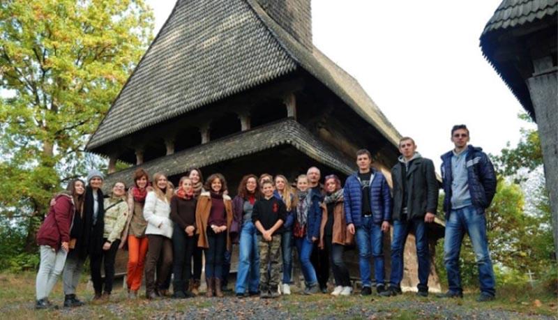 Майбутні митці і мистецтвознавці вивчали дерев'яні церкви Закарпаття
