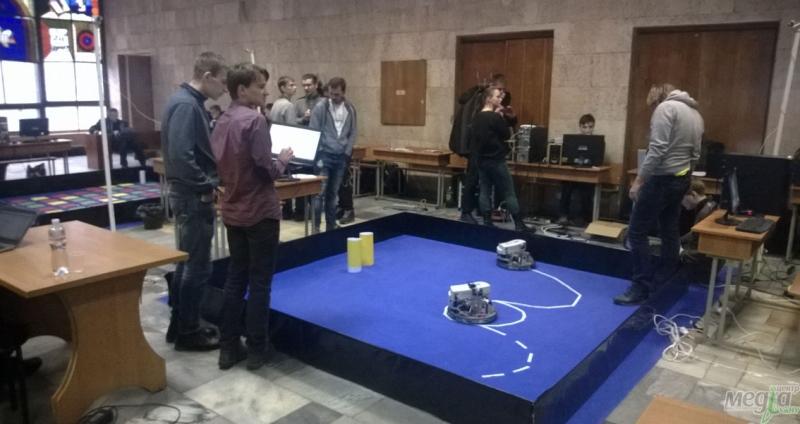 Під час конкурсу робототехніки
