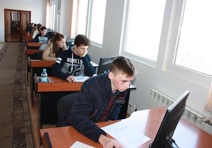Учні виконували завдання зосереджено