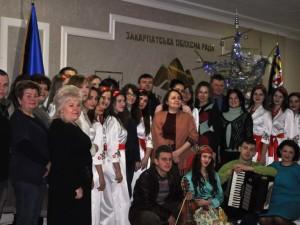 Колядники з Ужгородського музучилища в обласній раді