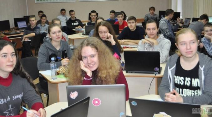 Учасники Всеукраїнської зимової школи з програмування