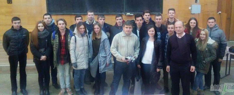 Учасники гуртка із робототехніки УжНУ