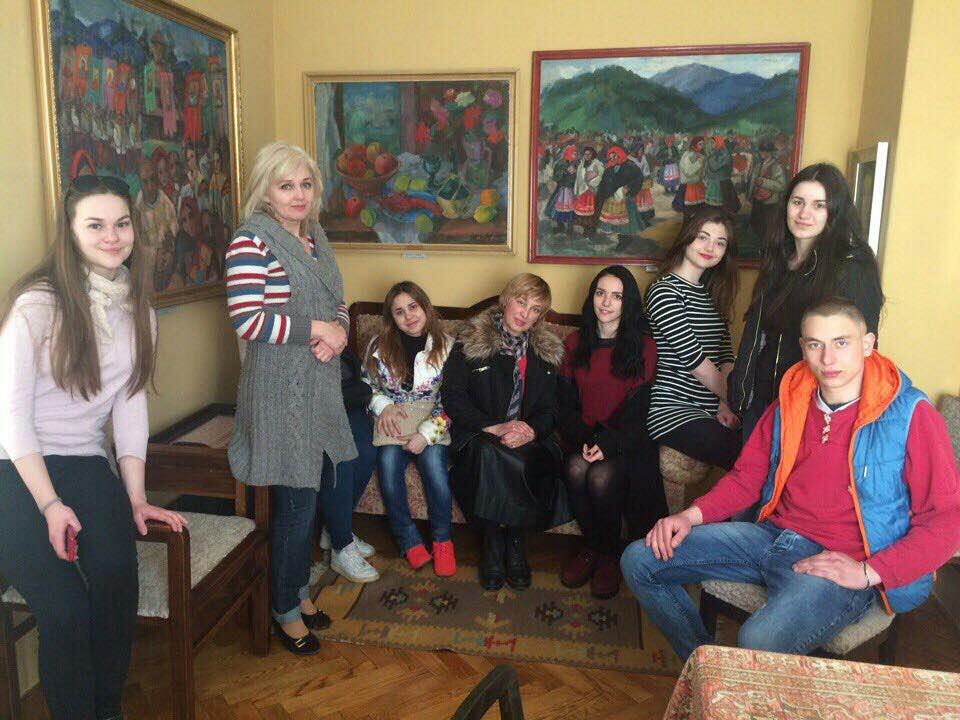 Студенти Ужгородського торговельно-економічного коледжу в музеї А. Коцки