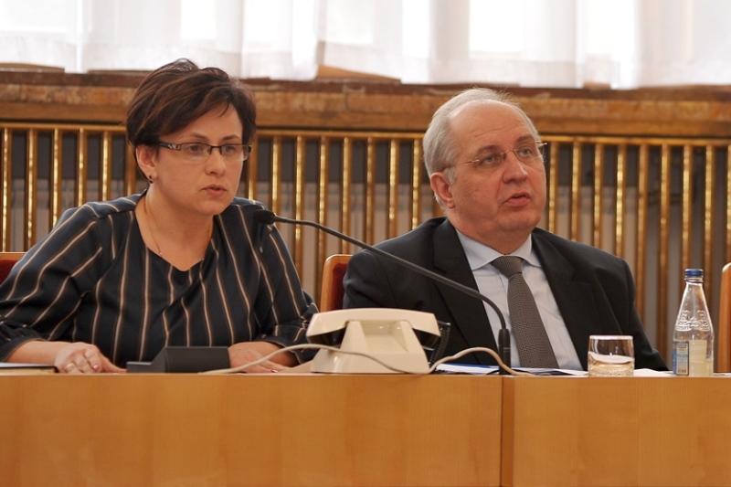 Виступає Оксана Бабунич, керівник управління освіти Ужгородської міськради