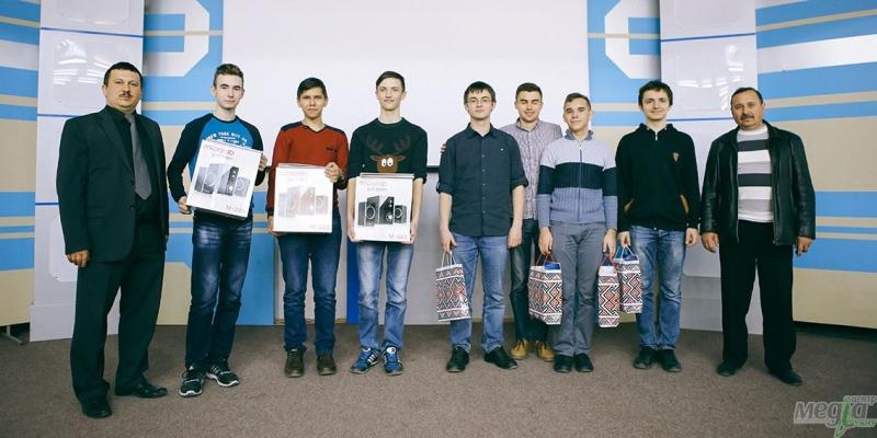 Переможці з тренерами. Олександр Міца. Микола Дронь