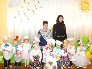 Свято весни в ДНЗ № 18 санаторного типу Ужгорода, Олена Яворська, Наталія Калинська