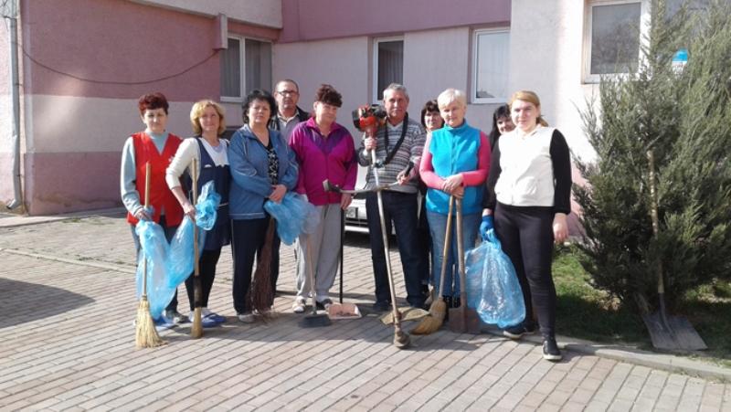 Працівники ЗІППО долучилися до прибирання Ужгорода