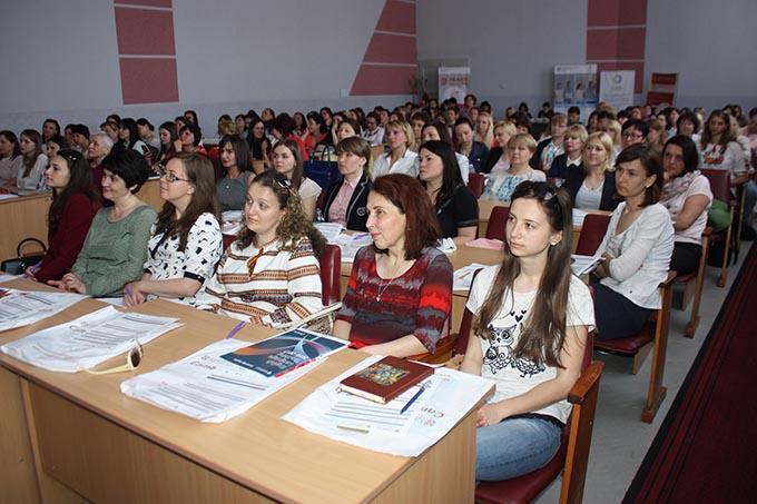 Учасники семінару від Кембриджського університету у ЗІППО