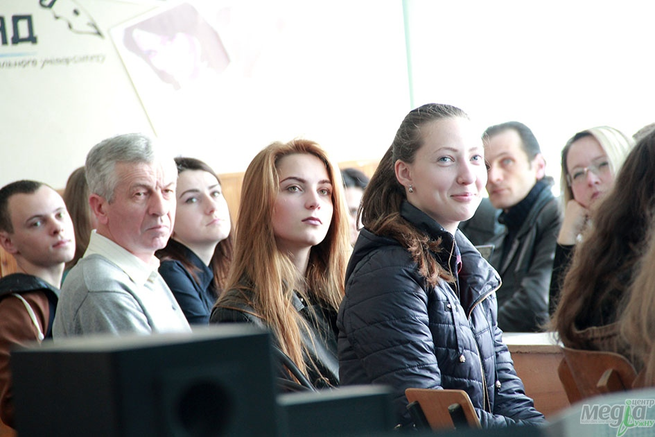 Під час засідання прес-клубу в УжНУ