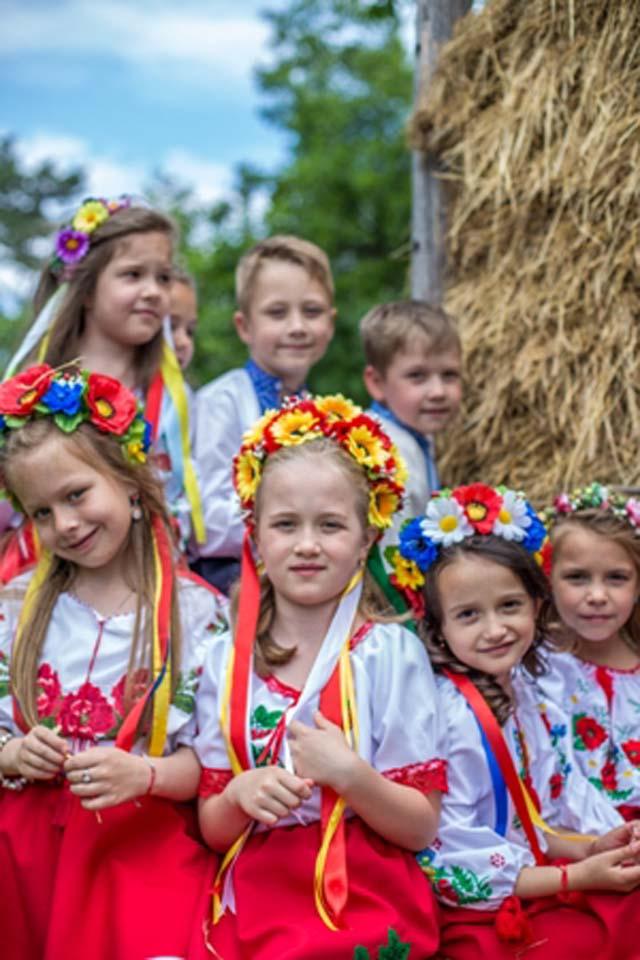 Фотосесія ужгородських першокласників