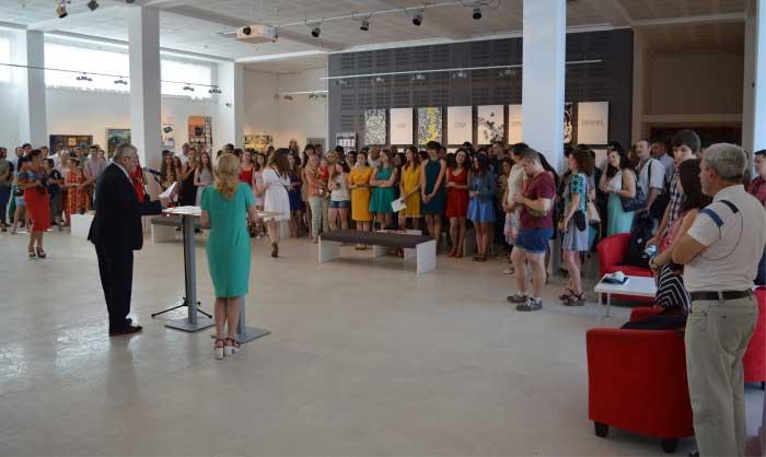 """Урочистості Закарпатської академії мистецтв у галереї """"Ілько"""" проходять дуже гармонійно"""