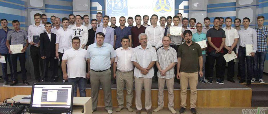 Вручення дипломів на факультеті інформаційних технологій УжНУ