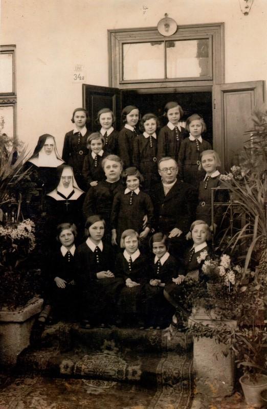 Августин Волошин у сиротинці