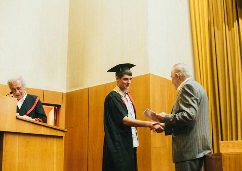 Вручення дипломів - фізичний факультет УжНУ