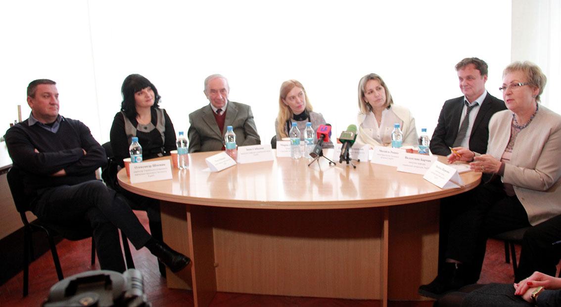 Прес-конференція у Медіацентрі УжНУ