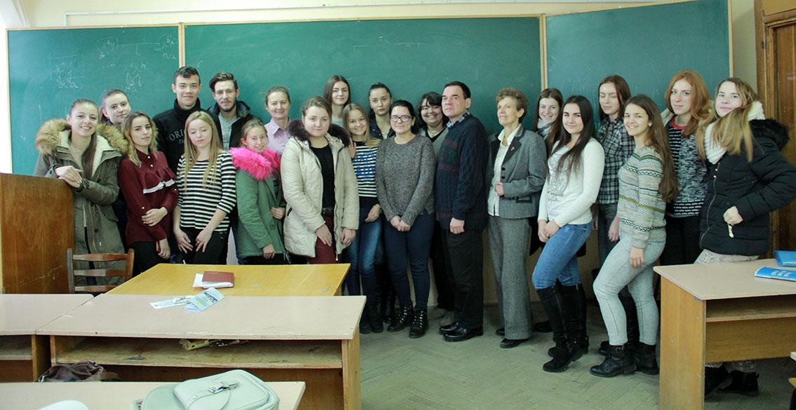 Представники Корпусу миру США зустрілися з психологами УжНУ