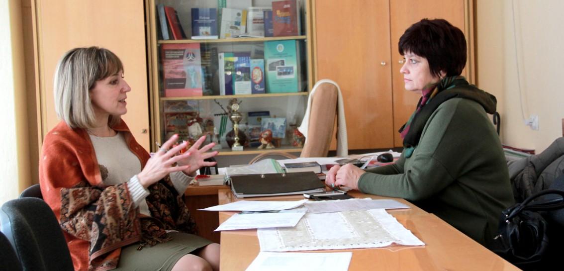 Галина Шумицька та Ірина Гармасій