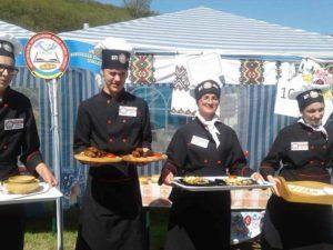 Наші кухарі зі своїми стравами в Угорщині :)