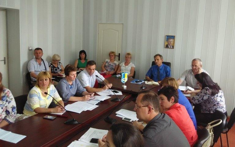 Учасники конференції від Закарпаття. На задньому плані - Петро Порошенко :)