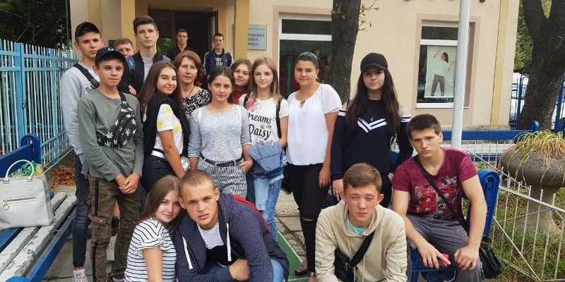 Студенти УТЕК КНТЕУ біля
