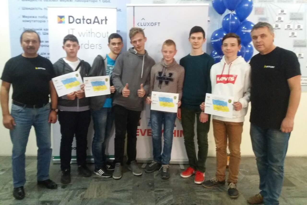 Закарпатські школярі - майбутнє програмування на Закарпатті :)