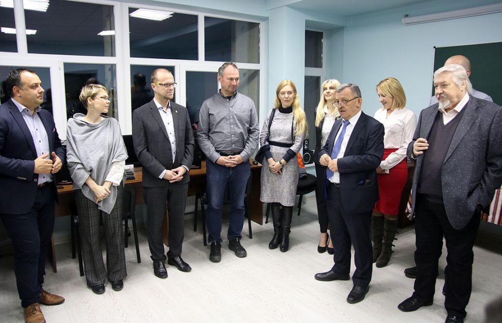 Гостей вітає Олександр Сливка