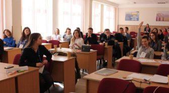 Всеукраїнська дебатна школа в УжНУ