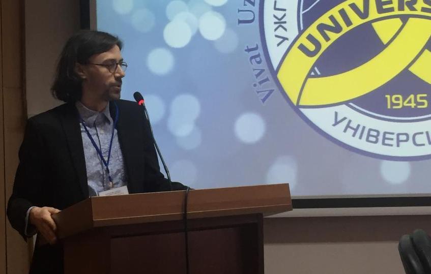 Професор Олександр Дебич