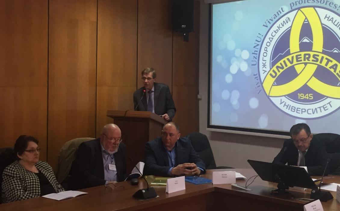 Завідувач кафедри політології і державного управління професор Микола Вегеш