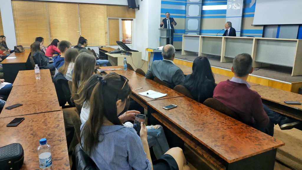 Посол Королівства Бельгія Алекс Ленартс провів лекцію на юридичному факультеті УжНУ