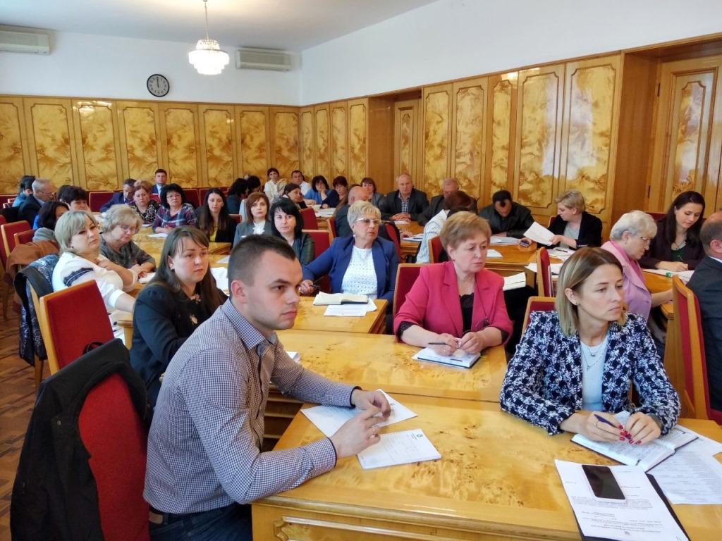 Керівники й бухгалтери місцевих органів управління освітою