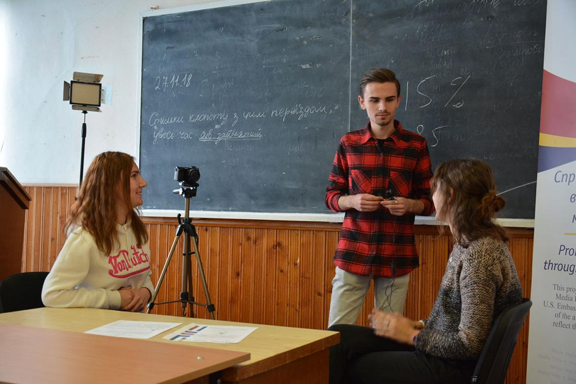 Практичне заняття студентів-журналістів в УжНУ