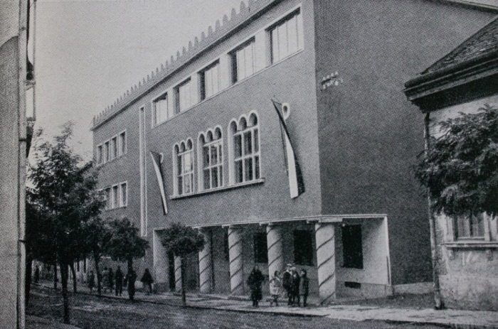 Ужгородська єврейська народна школа, міжвоєнні роки (нині Біологічний факультет УжНУ)