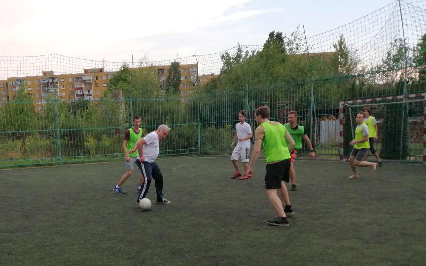 Професор із Грузії Теодоро Заркуа не лише лекції читає, а й грає у футбол