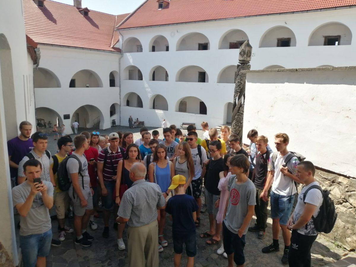 Екскурсія до Мукачівського замку